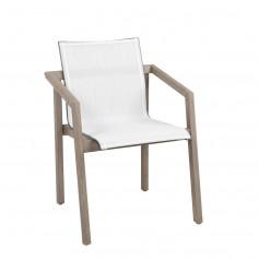 SKAAL 56x56cm stapelbarer Sessel aus Duratek Teak und Batyline Eden Canvas Heidekraut weiß